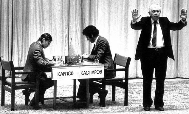 La deuxième finale du championnat du monde d'échecs entre Karpov et Kasparov en 1985