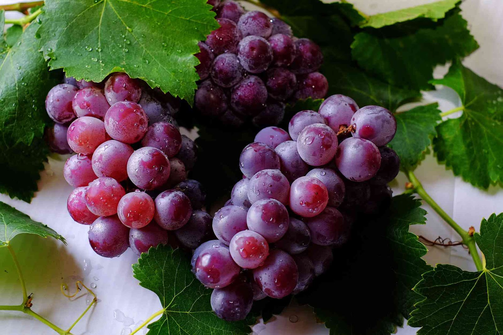 Grapes 50 Beauty Tips For Face Pimples Naturally Remove