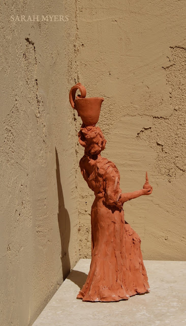 art, arte, kunst, sculpture, escultura, scultura, skulptur, Sarah, Myers, woman, water, pitcher, terracotta, red, earthenware, lady, baroque, contemporary, beautiful, elegant, figurative, artist, rapid, sculptor, sculpting, clay, earthenware, perfume, flask, vessel, agua, design, back, side, angle