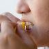 Cara Memutihkan Gigi Tradisional