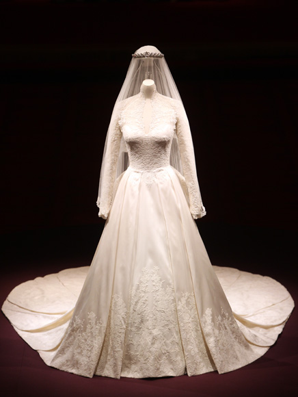 Fit For A Museum Catherine Ss Of Cambridge S Alexander Mcqueen By Sarah Burton Custom Wedding Gown Buckingham Palace Exhibit