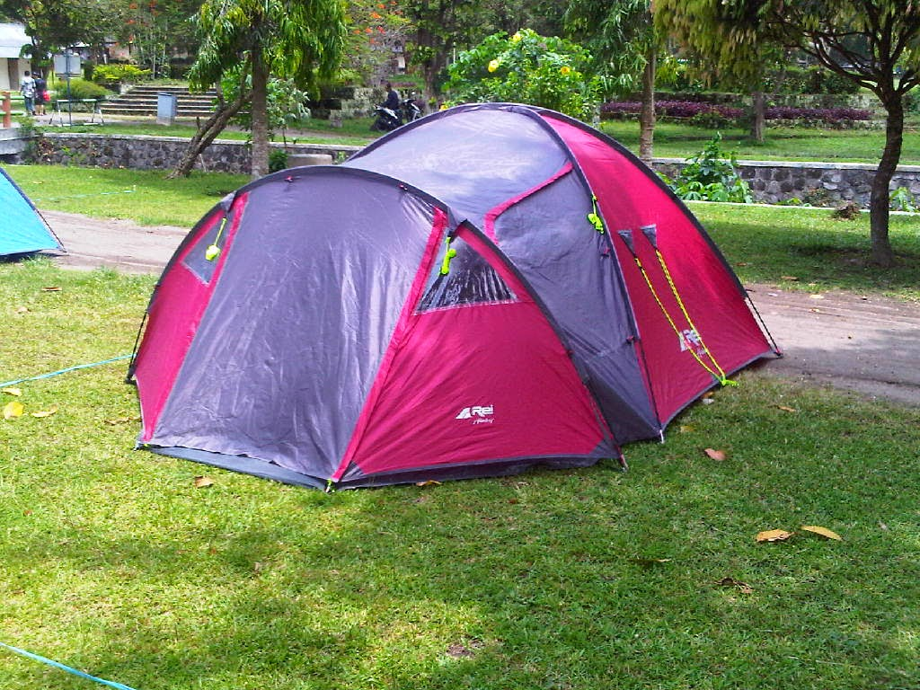 gambar peralatan koleksi persewaan camping dan hiking yogyakarta sewa tenda dome pleton pramuka jogja alat kemping