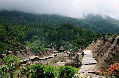 Mengunjungi Desa Adat Yang Masih Kental Tradisinya