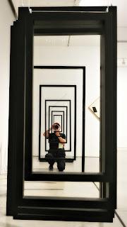 Autorretrato em Obra de Enio Iommi no Museo de Arte Moderno