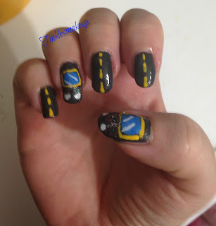 wheels_on_the_bus_nail_art