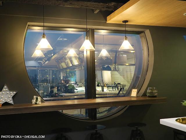 IMG 9733 - 台中南區│咖啡任務,全台最高樓層咖啡廳就在台中!隱身在商辦大樓裡的絕美夜景超療癒!