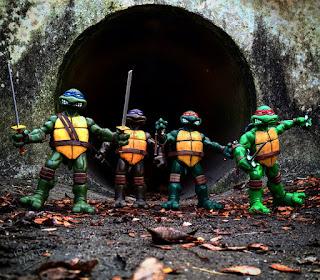 MONDO 6th Scale Teenage Mutant Ninja Turtles Action Figures