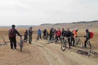 Велосипедисты с долине реки Белая