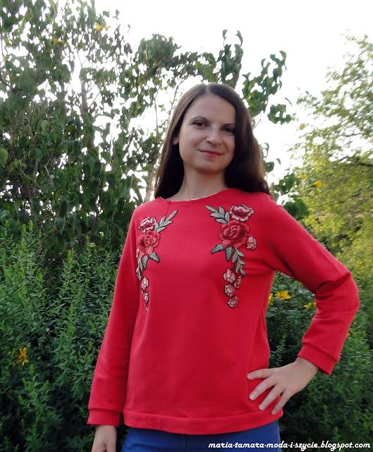 Haftowana bluza z lekka folkowa
