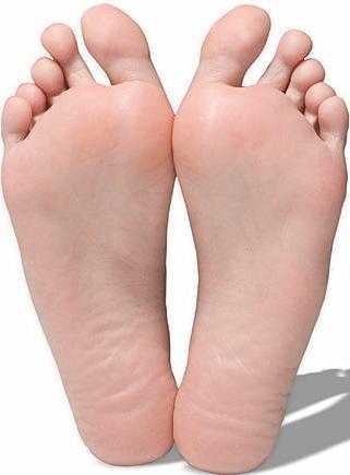 Imagen de pies (derecho e izquierdo) de un adulto