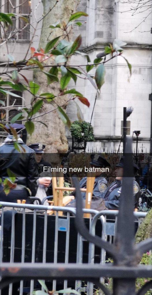 The Batman: Novas fotos do set mostram Gotham City