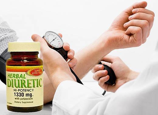 Penyakit asam urat bisa merupakan penyerta sakit lain