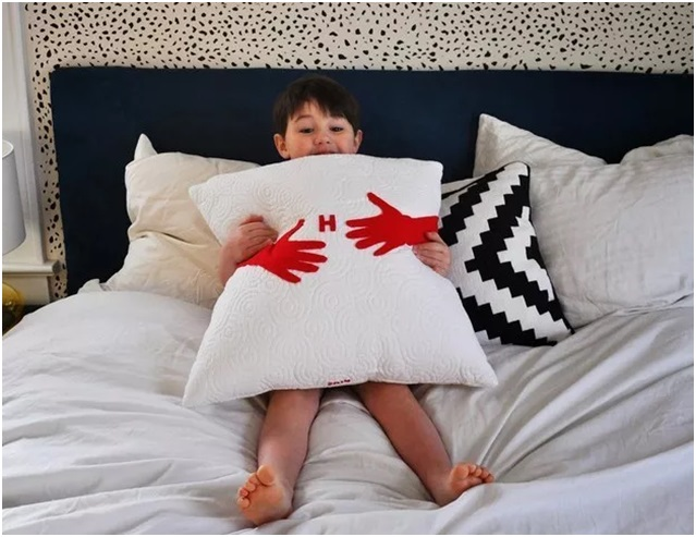 Ablanıza Kocaman Bir Yastık Hediye Edin