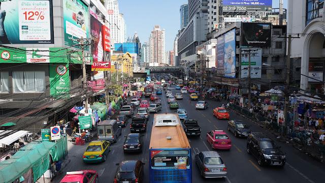 Изображение проспекта Phetchaburi в Бангкоке
