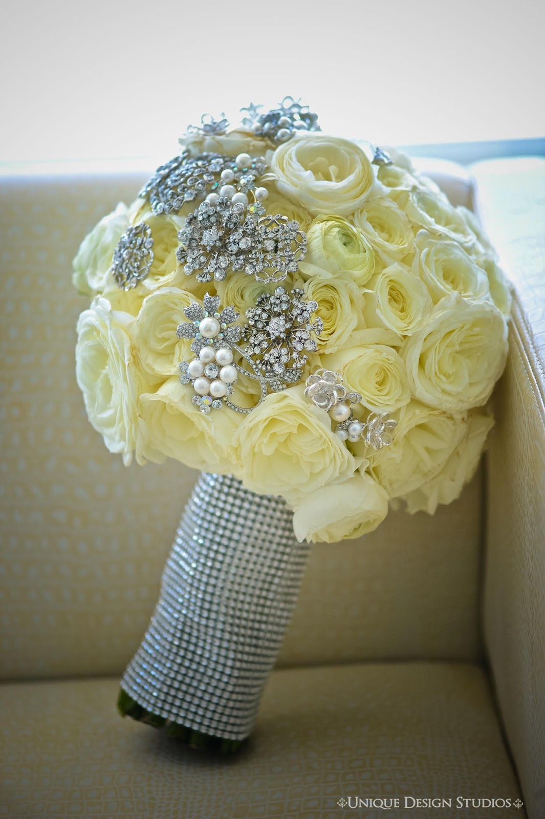 wedding bouquets with bling cook events a destination wedding for an amazing 8537