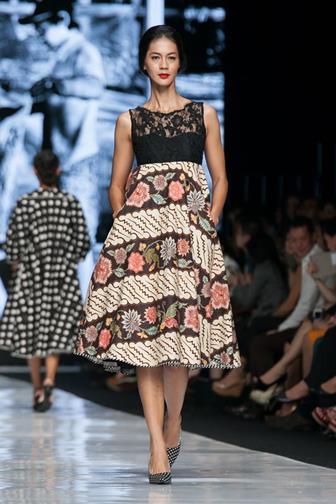Baju Batik Kombinasi Brokat Modern