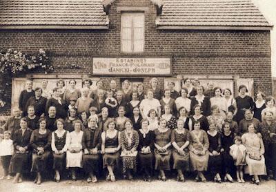 L'estaminet franco-polonais de Bully-les-Mines, années 30 (source Rcp-Rayonnement culturel polonais)