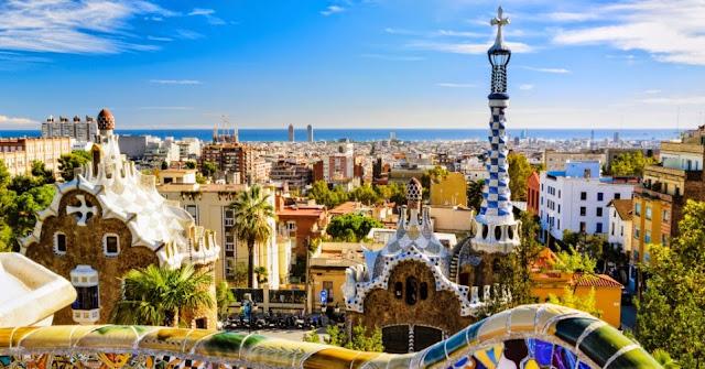 Vista do Parc Güell em Barcelona