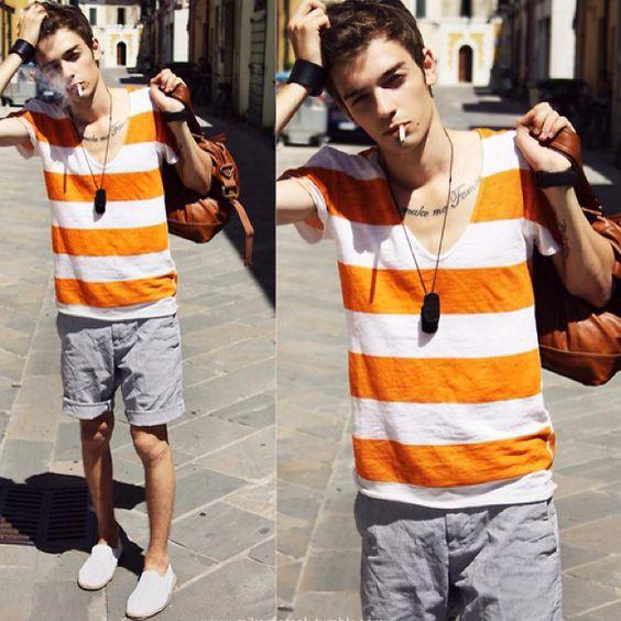 Look Masculino com Camiseta listrada e Alpargatas Masculina