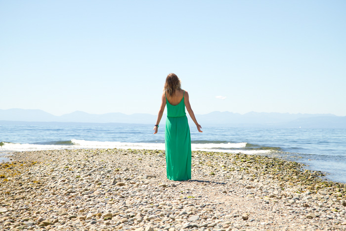 Vancouver Fashion Blogger, Alison Hutchinson, wearing a green River Island maxi dress, nude Zara sandals, Sass & Bide sunglasses at the beach in Robert's Creek, BC.