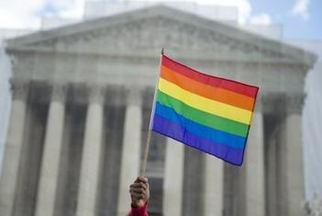 Corte Suprema de EEUU falla a favor de matrimonios gays