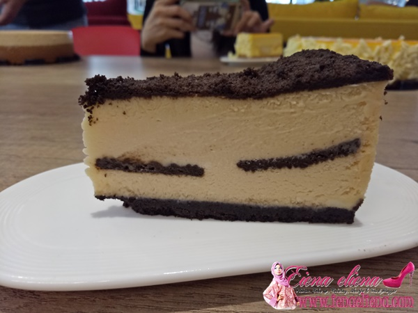 The Modern Duke's Pudding (Oreo Cheesecake)
