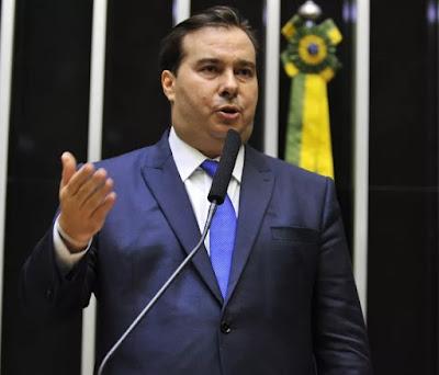 Com 334 votos, Rodrigo Maia é é reeleito presidente da Câmara
