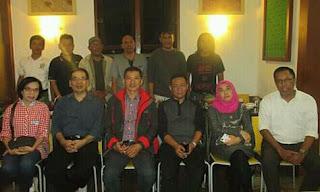 Alumni STIKI 88 DI Ayam Goreng Tenes Malang 4
