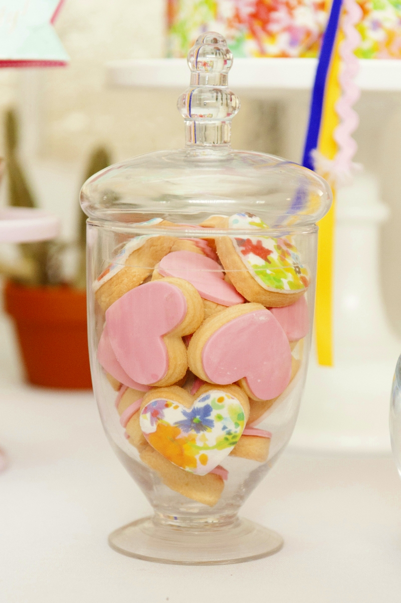 A Bright Summer Fiesta Printed Watercolor Cookies - via BirdsParty.com