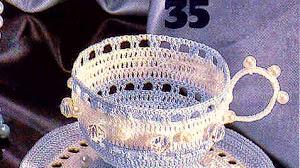 Taza con perlas al crochet