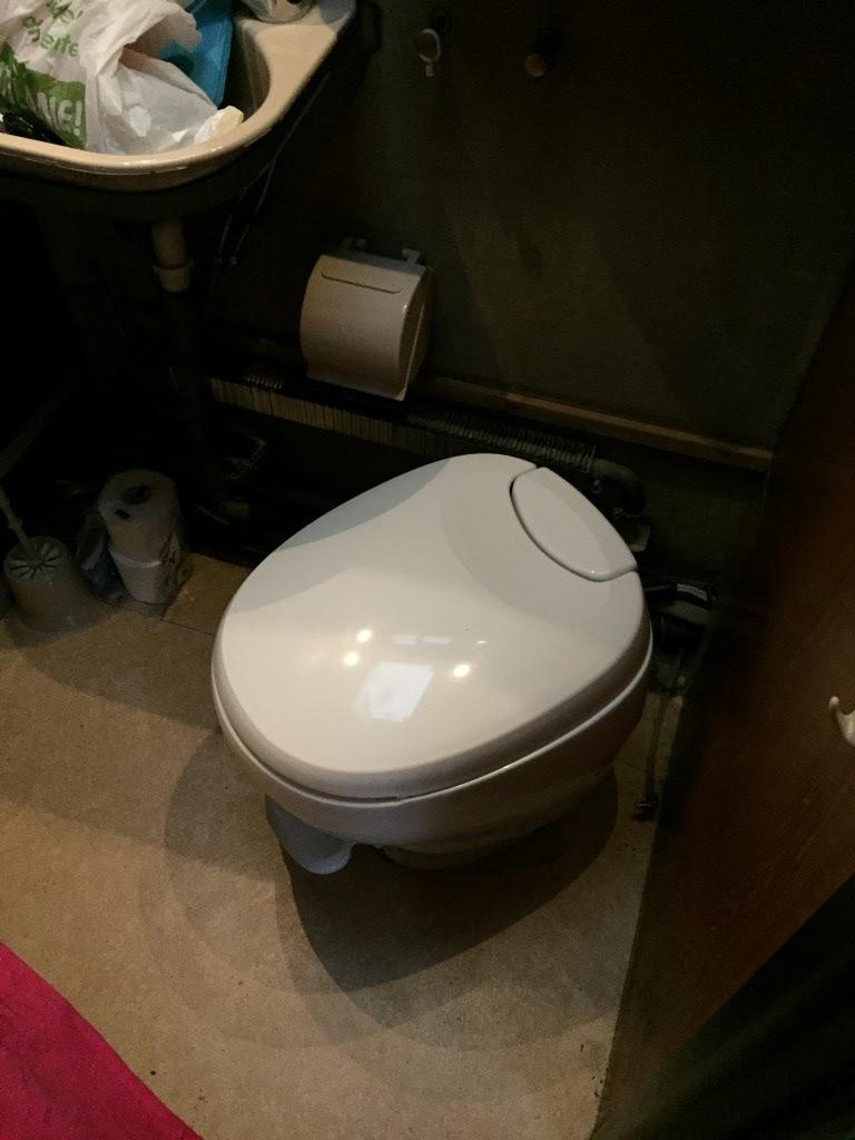 thetford bravura toilette einbauen flansch dichtungen sog cloufreunde. Black Bedroom Furniture Sets. Home Design Ideas