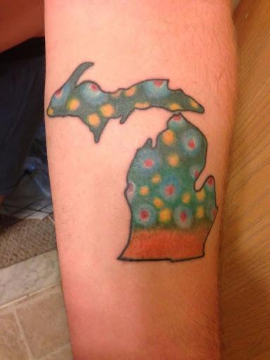 Esta truta pele da tatuagem