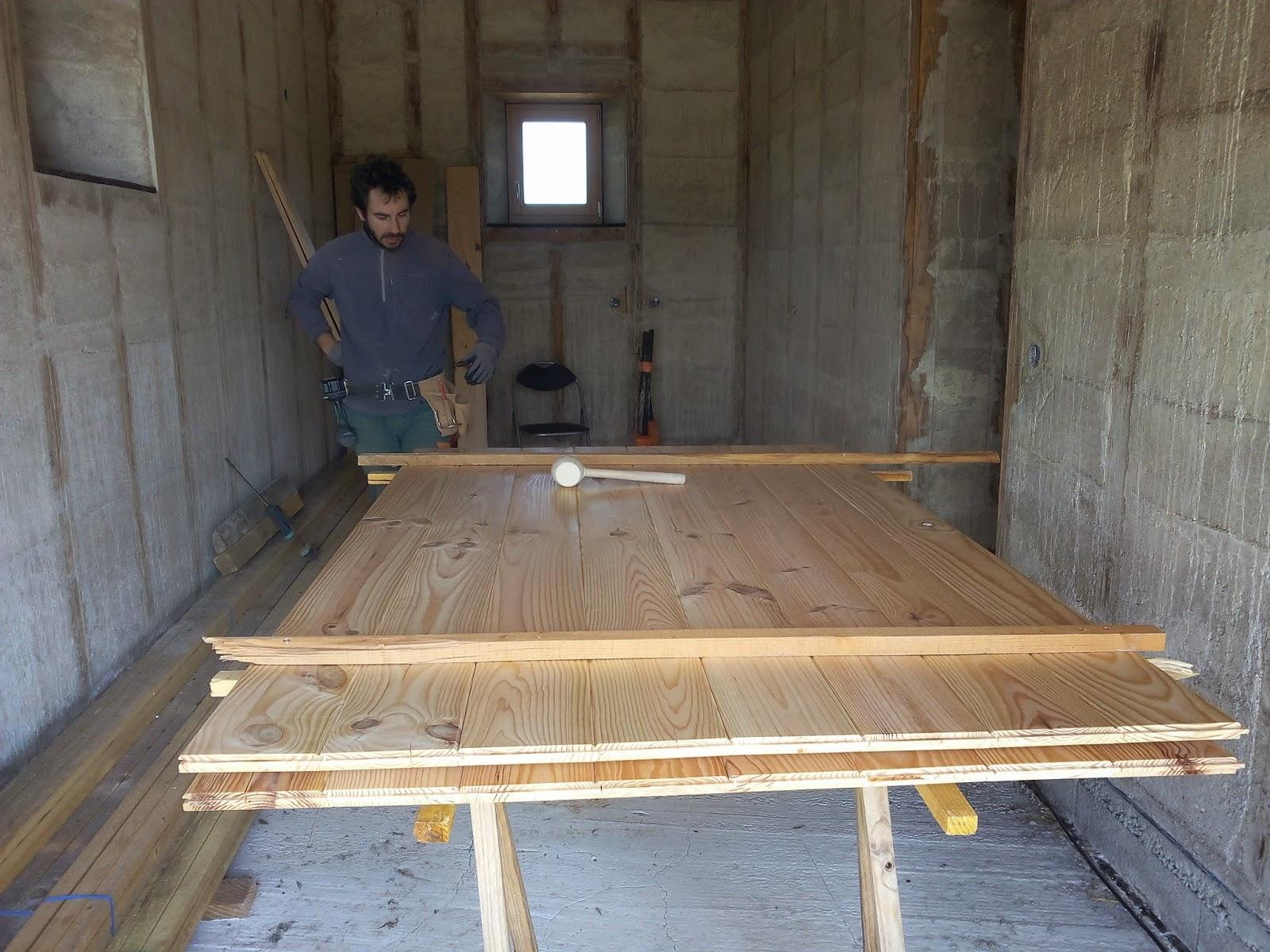 les barboteurs la porte du garage. Black Bedroom Furniture Sets. Home Design Ideas