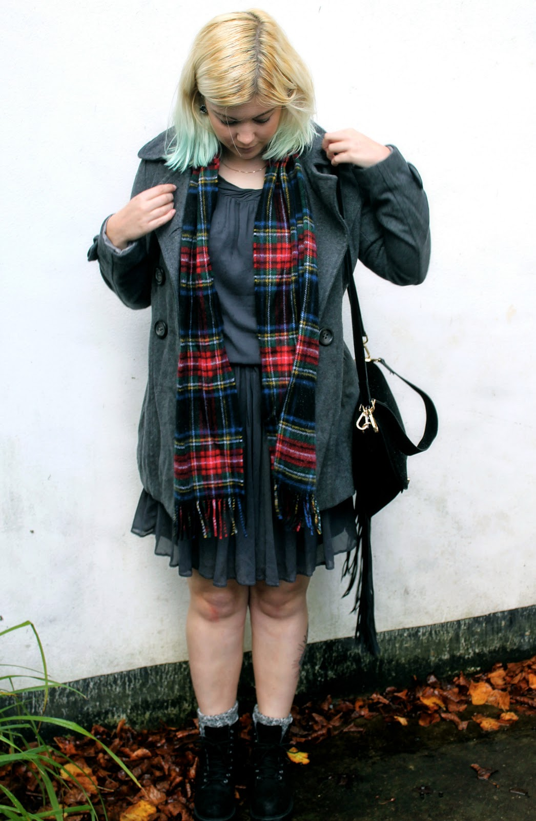 uk style blogger dr martens ghost fashion
