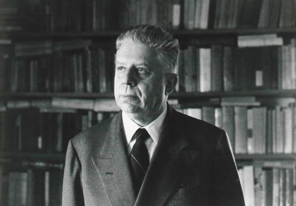 Poesia-La-Storia-Eugenio-Montale