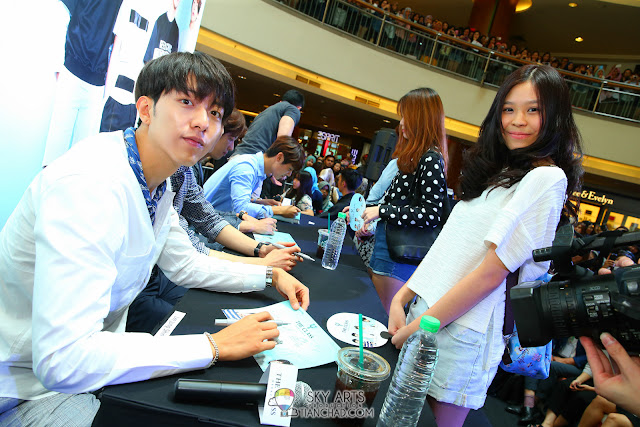 Meet N Greet Autograph session  - CNBLUE x The Class Meet & Greet @ Mid Valley Megamall Photo by Mango Loke