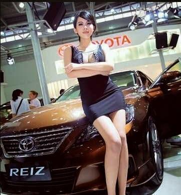 Gambar Wanita SPG Mobil Selalu Cantik dan Menarik