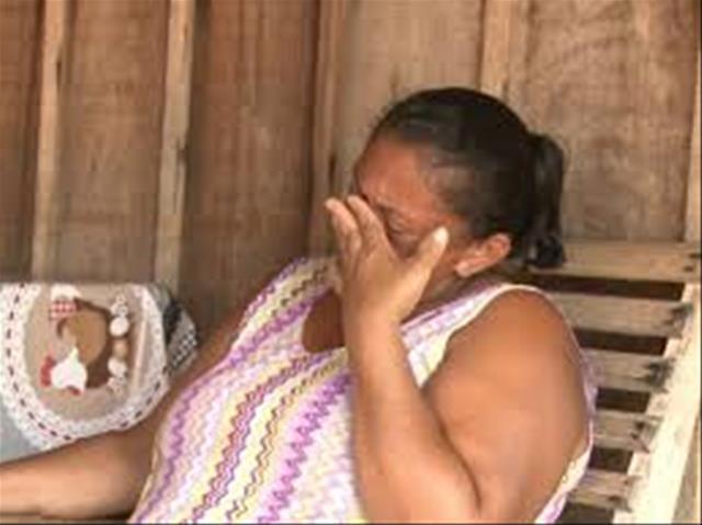 FIM DO MUNDO:  Mãe é estuprada pelo próprio filho e um amigo dele