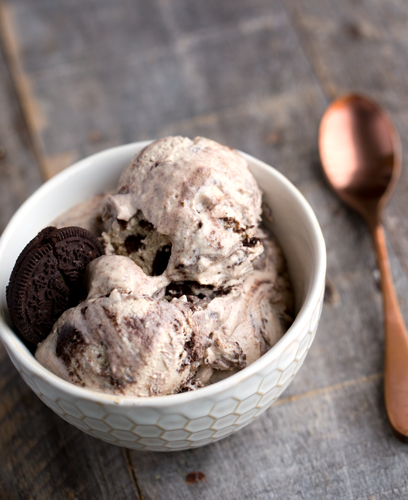 Vegan Cookies & Cream Cashew Ice Cream