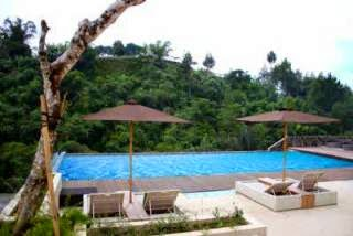 The Green Forest Resort Lembang kolam renang