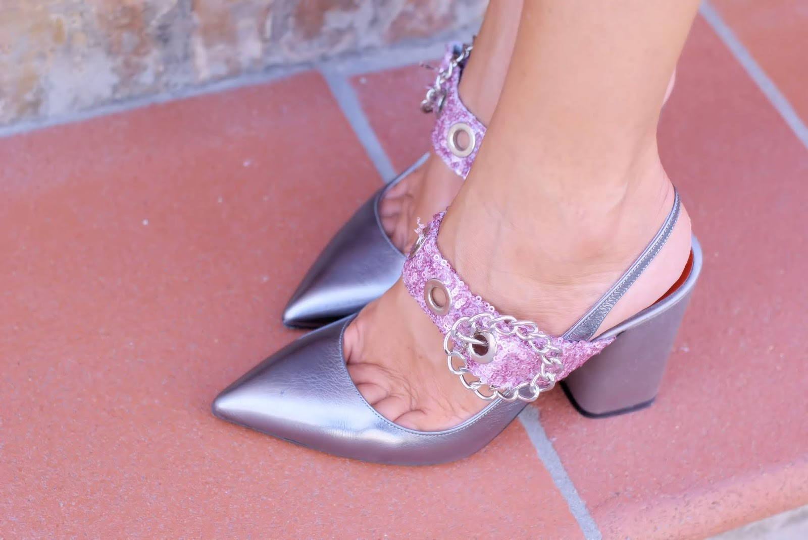 Giancarlo Paoli silver pumps shoes on Fashion and Cookies fashion blog, fashion blogger style