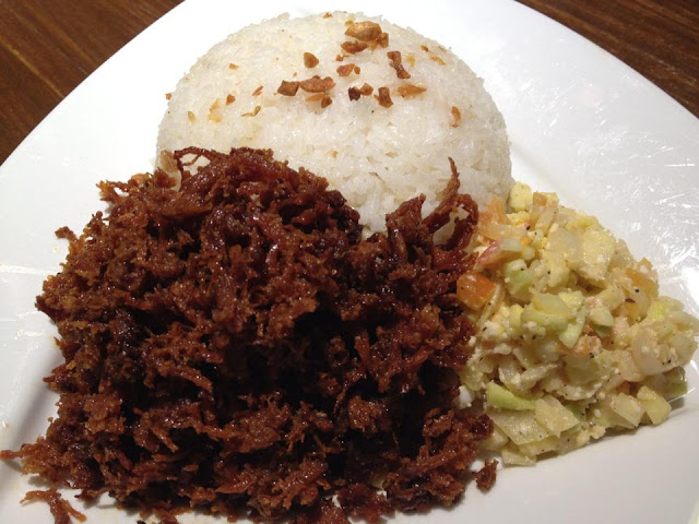 Z Hostel Bar & Cafe: Chicken Adobo Flakes