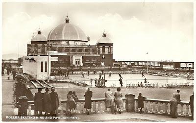 Pavilion. Promenade roller skating