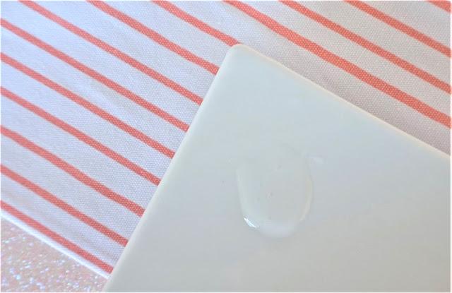 Huile lavante Lipikar : texture