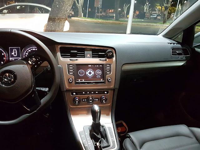 VW Golf 1.6 Automático 2016 - inteiror