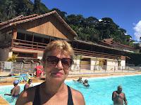 Com 68 anos, dona Dulce Ferreira não abre mão da oportunidade de fazer hidroginástica gratuitamente