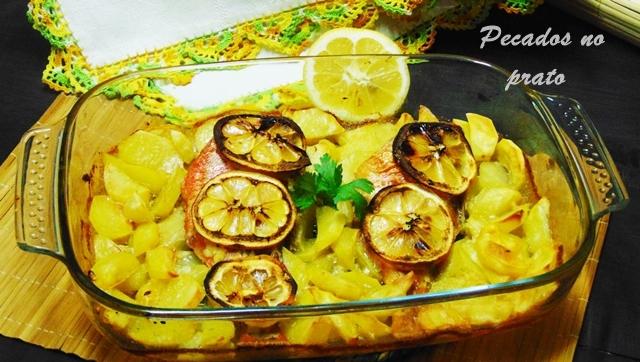 Peixe vermelho assado no forno com limão