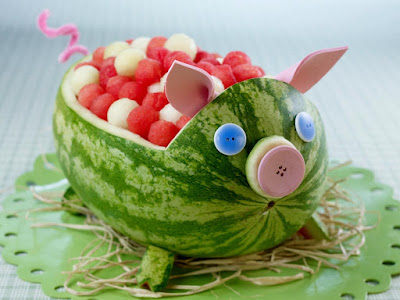 watermelon pig carving