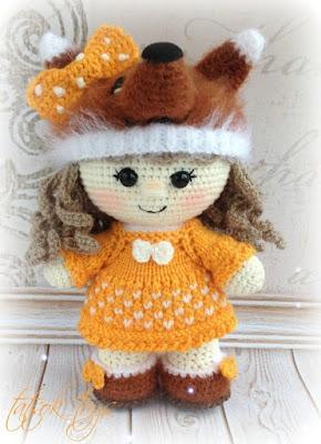 Кукла в костюме лисы