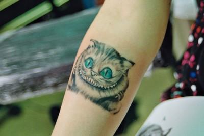 Tatuajes de GatosAlice In Wonderland Cat Smile Tattoo